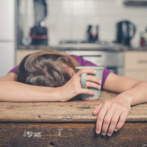 Почему измученные мамы так поздно ложатся спать