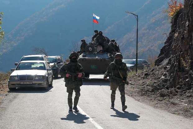 Первый рейс по Лачинскому коридору сопровожден миротворцами РФ
