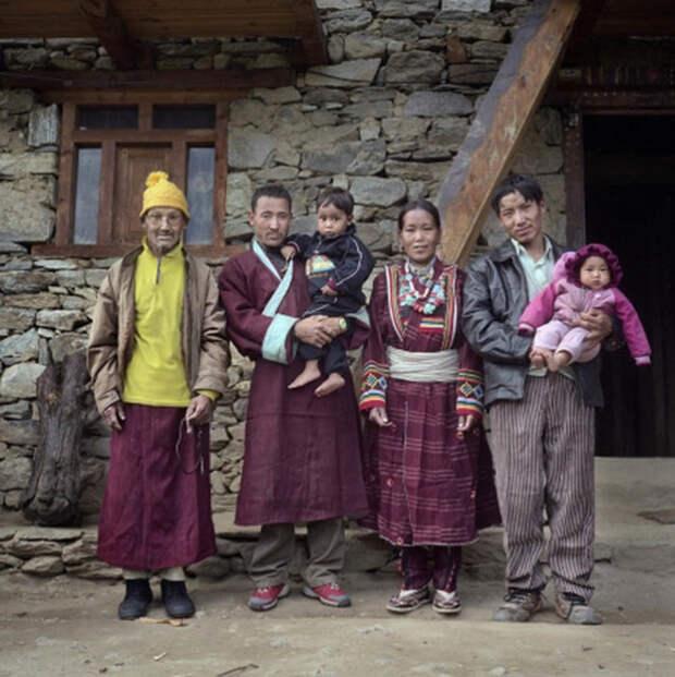 Многомужество и сегодня распространено в тибетских семьях