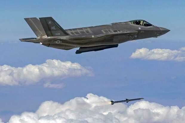 Более половины истребителей F-35 небоеготовы – американская пресса