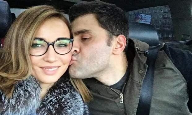 Секс-бомба Анфиса Чехова устроила себе опасное развлечение в захваченном националистами городе Донбасса