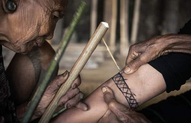 Удивительные портреты исчезающего племени охотников за головами