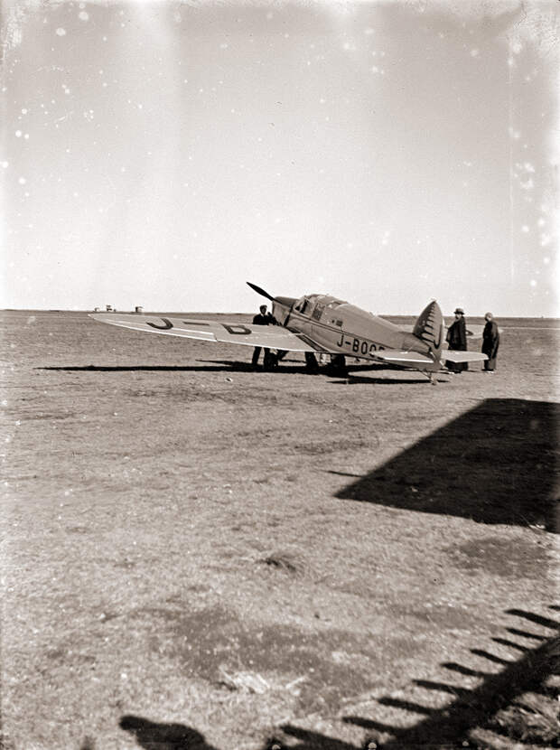 British Aircraft Eagle J-BOOB, 1930s Japan. AirHistory.org says that was registered on 00.10.1935 and which crashed on 16.05.1936