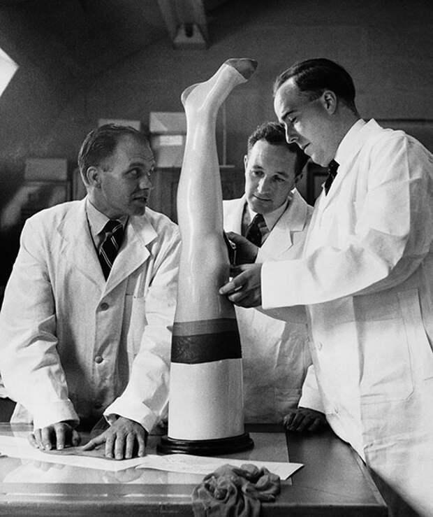 Сентябрь 1955 года: технологи за работой