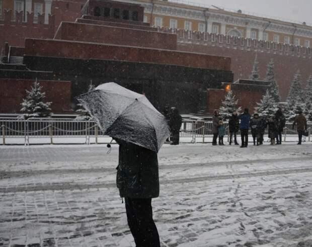 В Москве из-за коронавируса закрывают для посетителей мавзолей