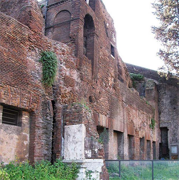 Жилищный вопрос в Древнем Риме: коммуналка, квартиранты и строительный брак