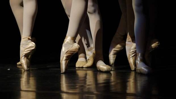 Обвинения в харассменте могли быть причиной суицида известного британского хореографа