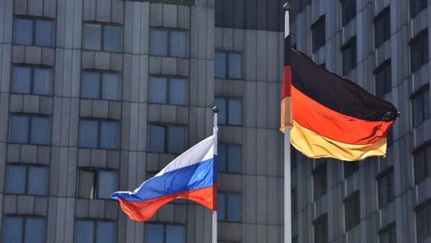 Рар о реакции Запада на события близ Крыма: накручивается опасная ситуация