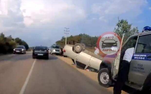 ДТП в Севастополе: перевернулся автомобиль ВАЗ  (ВИДЕО)