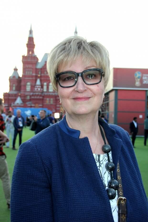 Как сегодня выглядит похудевшая 53-летняя писательница Татьяна Устинова