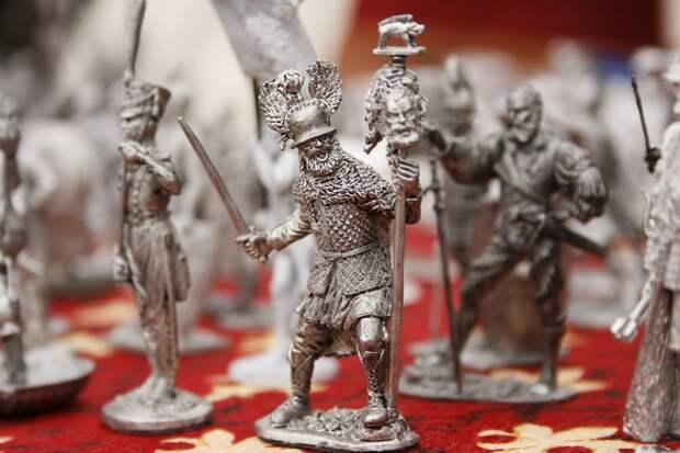Доцент вуза в Ижевске брал взятки оловянными солдатиками