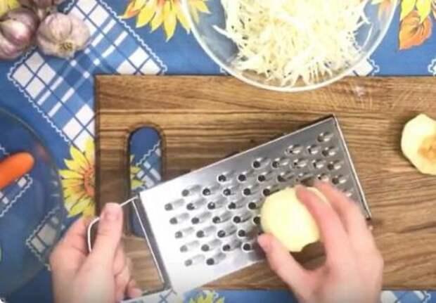 Родители готовят этот салат вместо винегрета и называют его «Генеральским». Варить ничего не нужно