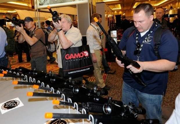 Перед президентскими выборами в Штатах вырос спрос на оружие