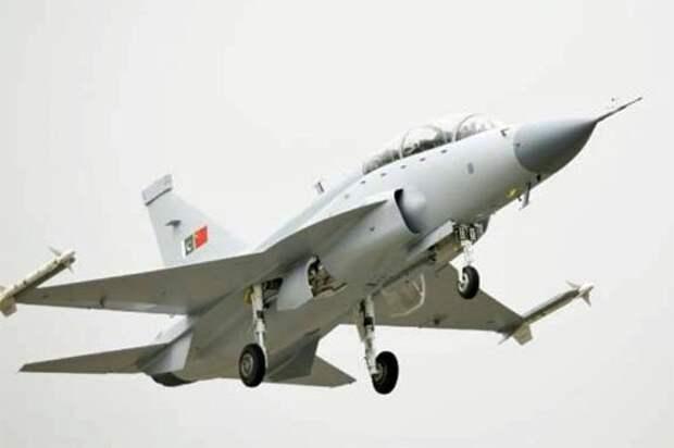 Облетан прототип нового двухместного истребителя JF-17B
