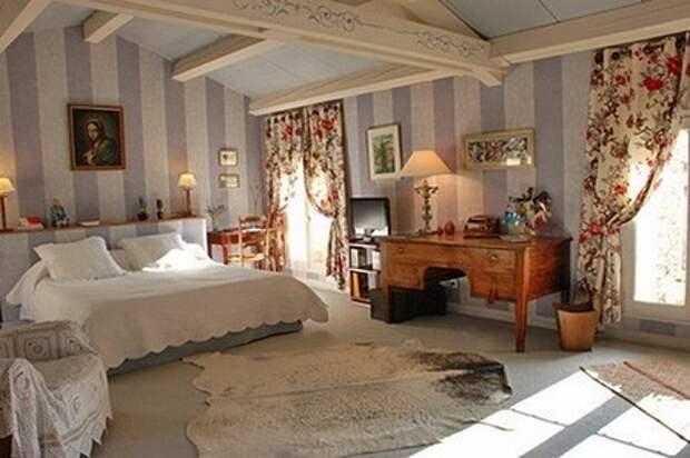 балки в спальне в стиле прованс