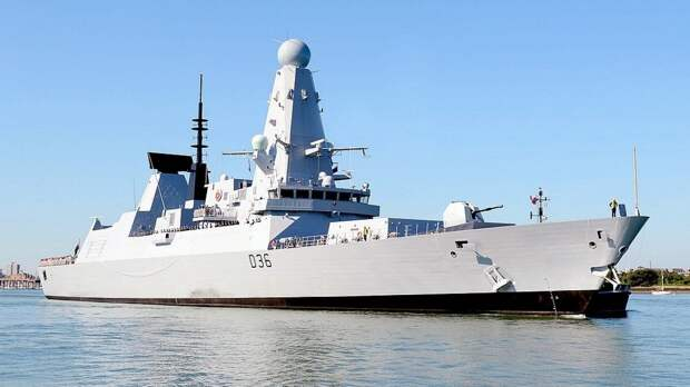 Французы возмутились появлением эсминца Defender ВМС Британии у берегов Крыма