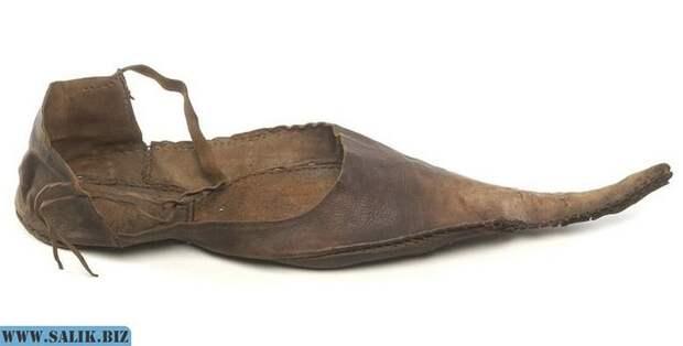 Почему европейцы носили неудобную и нелепую длинноносую обувь – пулены