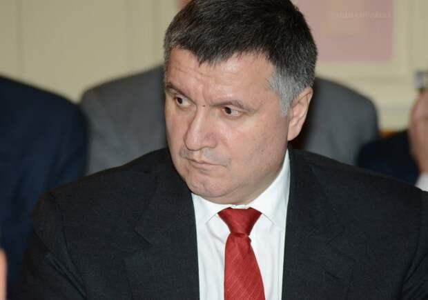 Отставка главы МВД Украины: уйдет ли Аваков из политики