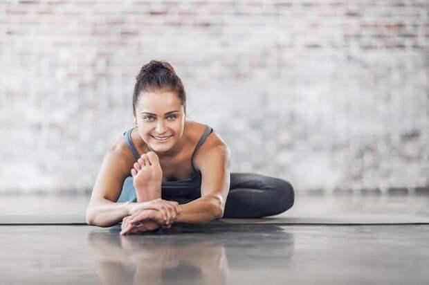 Стрейчинг: лучшие упражнения на растяжку дома