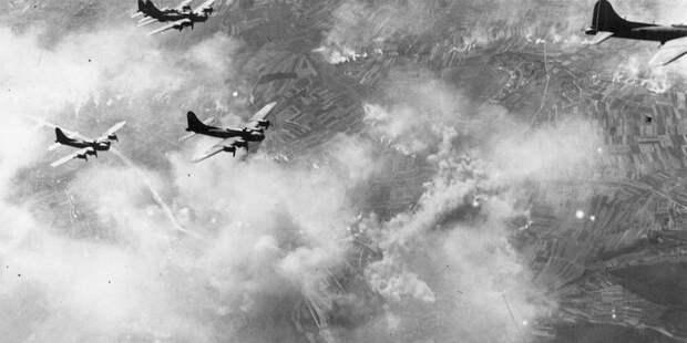 B-17 внебе над Швайнфуртом