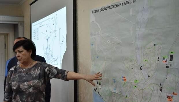 В Алуште ужесточают графики подачи воды населению. Власти поясняют: чтобы на курортный сезон хватило