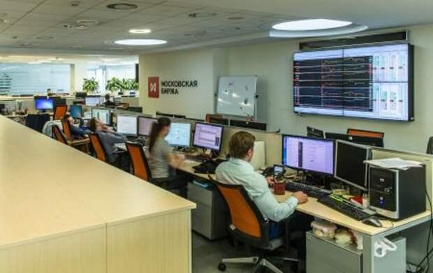 В феврале 2021 года общий объем торгов на рынках Московской биржи вырос на 3,9%