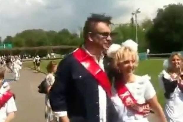 """Киркоров в школьной форме, Валерия с бантами: старое видео с артистами """"взорвало"""" Сеть"""
