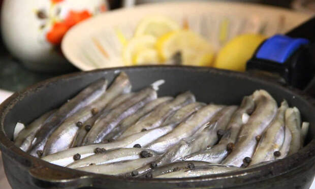 Мойва по-морскому: готовим и едим как на море