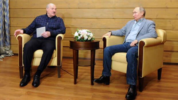 Путин обсудил с Лукашенко усиление совместных оборонных систем