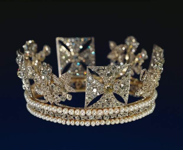Государственная бриллиантовая диадема, 1820. (с) Из королевской коллекции www.rct.uk/