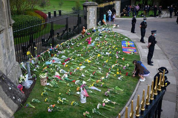 Британцы объявили траур по принцу Филиппу