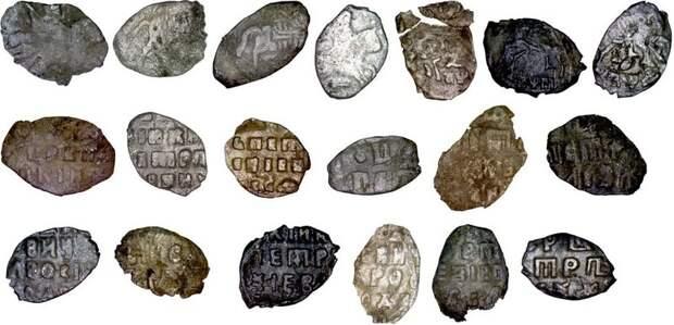 В Новосибирской области нашли клад петровских монет