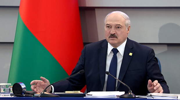 Лукашенко раскрыл карты. Но Кремль молчит