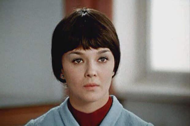 Наталья Гвоздикова в фильме «Большая перемена» (1972-1973).