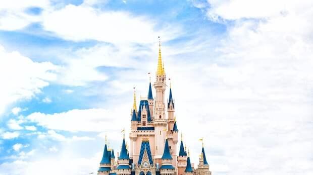 Disney заменил приветствие на шоу фейерверков в Magic Kingdom гендерно нейтральным