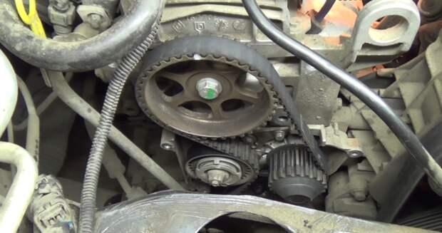 Оборвался ремень ГРМ на Рено Логан.Не знал,что два из трёх моторов гнут клапана и мой был одним из них