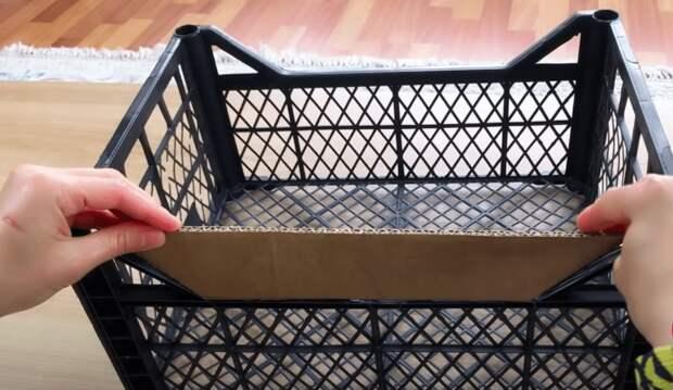 Простая и бюджетная идея из пластиковых ящиков для красоты и порядка