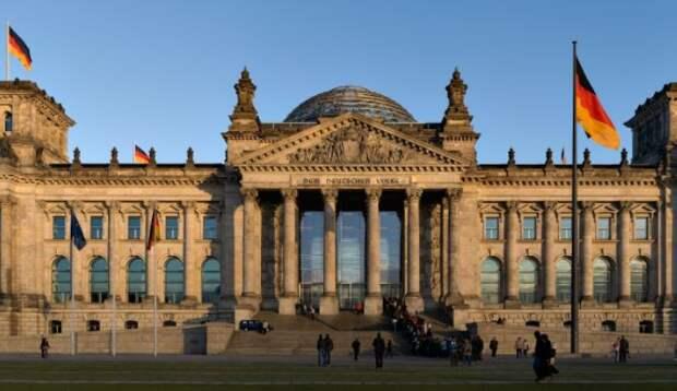В бундестаге объяснили, кому Германия обязана своим воссоединением