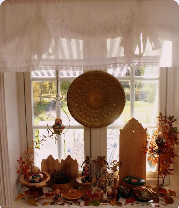 Декор подоконника своими руками: от банальной полки до предмета гордости (39 фото)