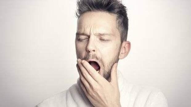 Доктор Мясников назвал вызывающие бессонницу привычки
