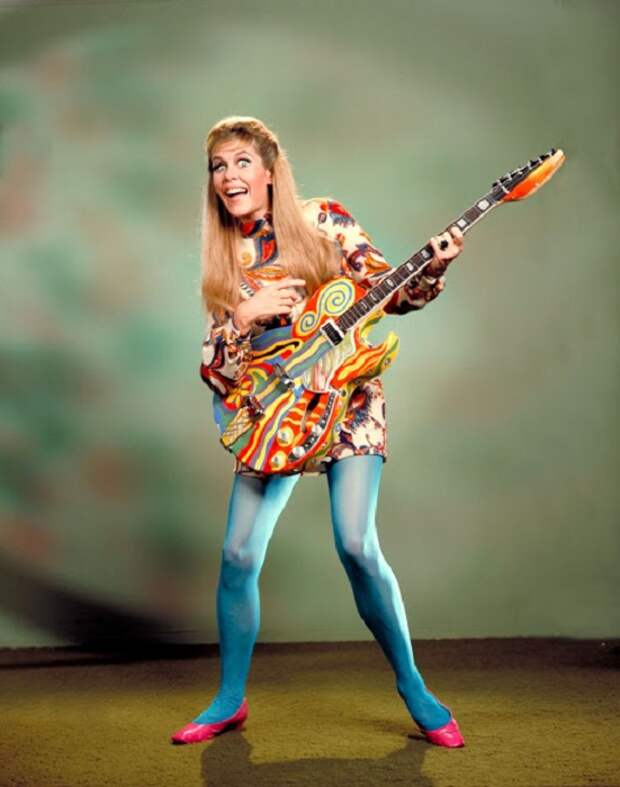 Модные эксперименты с цветом и рисунком в легендарных 1960-х годах не всегда заканчивались успешно.