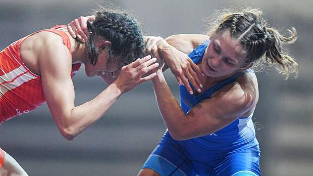 Россиянка Хорошавцева выиграла чемпионат Европы по борьбе. Захарченко завоевала бронзу