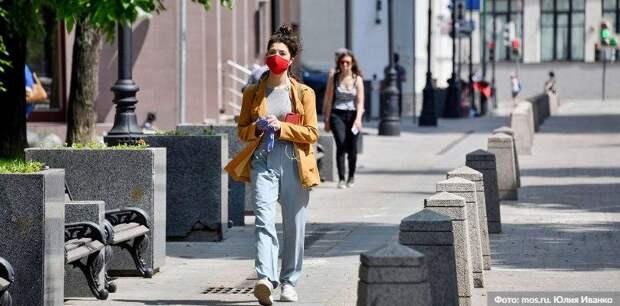 Почти 60 посетителей трех ТРЦ в Москве оштрафовали за отсутствие масок. Фото: Ю. Иванко mos.ru