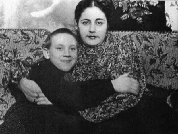 Большой Каретный, вместе с «мамой Женей»