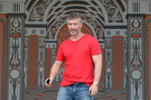 Мэр Екатеринбурга Ройзман побрезговал георгиевской лентой (видео)