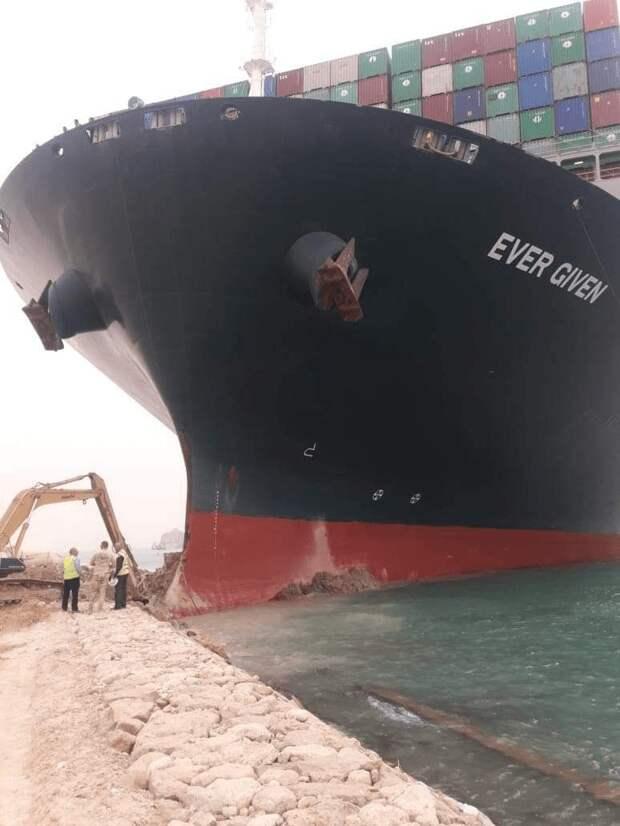 Китайцы перекрыли Суэцкий канал