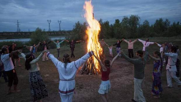 От инквизиции до Пасхи: мистические огненные ритуалы и обряды