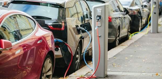 Зарядные станции дляэлектромобилей установили вЖК «Фонвизинский»