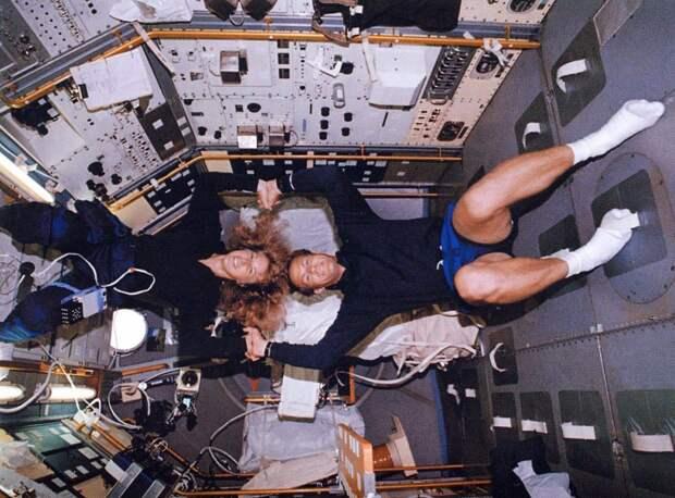 Секс в космосе 12
