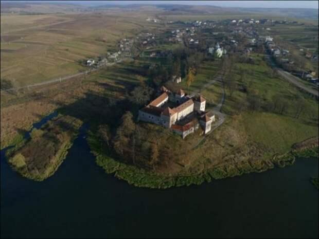Свиржский замок — родовой замок Д'Артаньянов, монастырь кармелиток в Бетюне, дом палача, бастион Сен-Жерве.